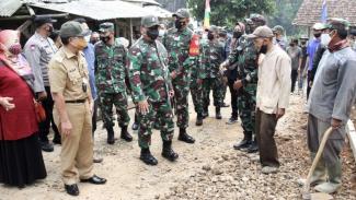 VIVA Militer: Pangdam Siliwangi dan Kasrem 061/SK Buka TMMD ke-111 di Cianjur