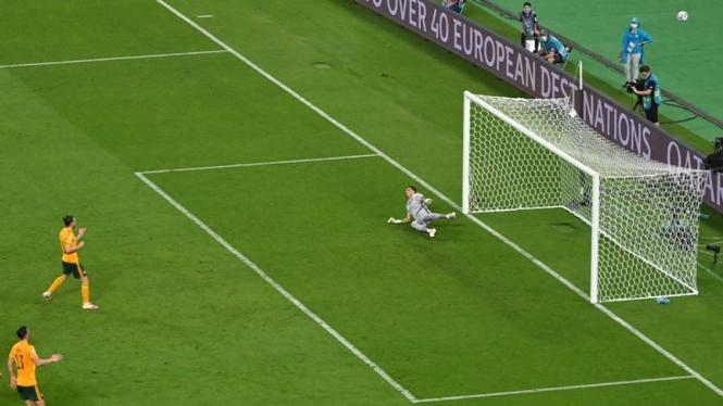 Gareth Bale eksekusi penalti dalam laga Turki vs Wales