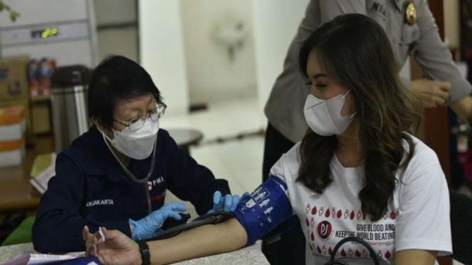 Polda Metro Jaya bersama Perempuan Jenggala melakukan aksi donor darah