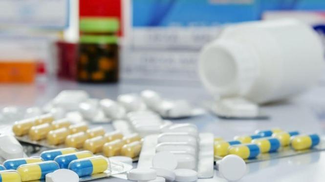 Ilustrasi beli obat bisa lewat layanan telefarmasi.