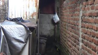 Toilet saat Sigit beraksi meraba kemaluan ibu-ibu yang sedang mandi