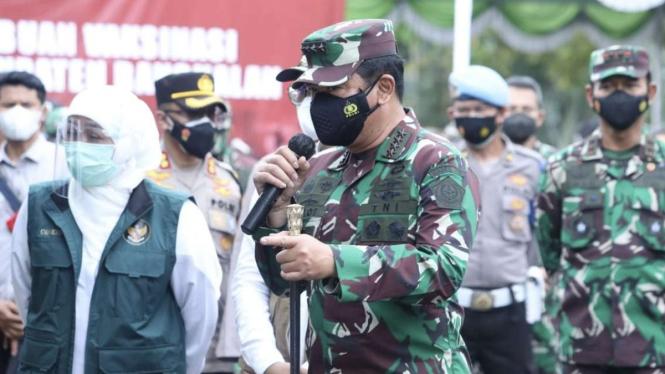 VIVA Militer: Panglima TNI tinjau serbuan vaksinasi di Bangkalan
