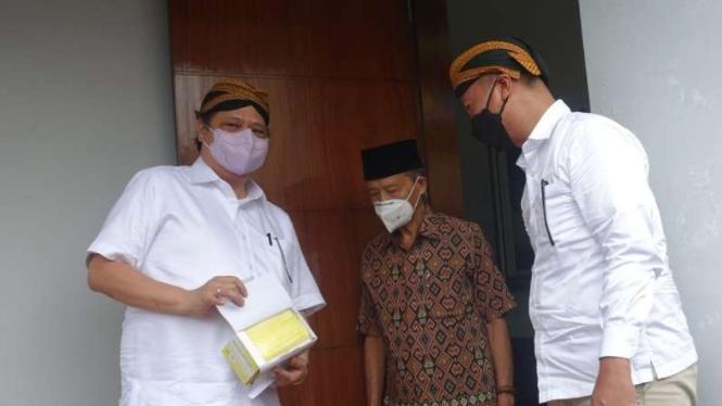 Airlangga Hartarto dan Agus Gumiwang bertemu Buya Syafii.