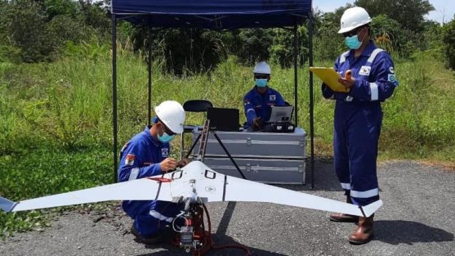 Persiapan pengoperasian drone C4EYE oleh tim Terra Drone Indonesia (Foto/Terra Drone Indonesia)