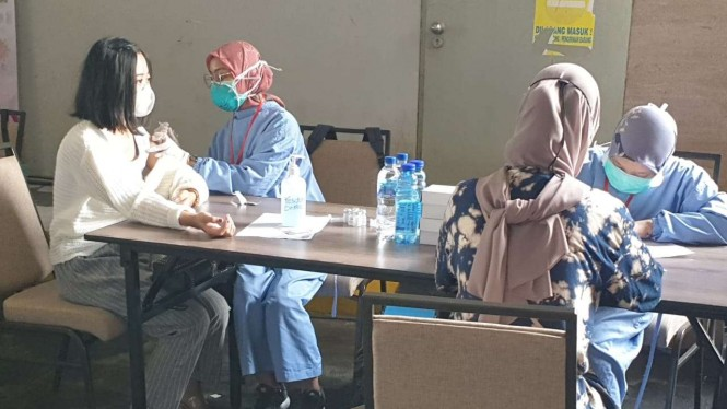 Vaksinasi pekerja hotel dan restoran di Sleman Yogyakarta.