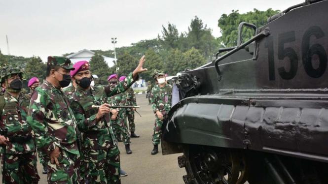 VIVA Militer: Wakasal dan Dankormar cek kesiapan Alutsista Jelang Armada Jaya