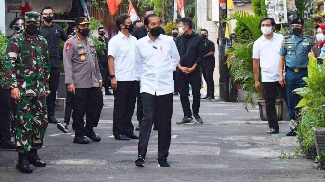 Presiden Jokowi Secara Mendadak Meninjau Pelaksanaan PPKM Mikro di Jakarta