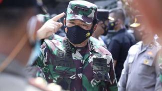 VIVA Militer: Panglima TNI Marsekal Hadi Tjahjanto saat Sidak pelaksanaan PPKM