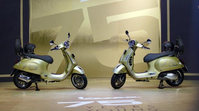 Peluncuran Vespa Primavera dan GTS edisi ulang tahun ke-75 di Indonesia.