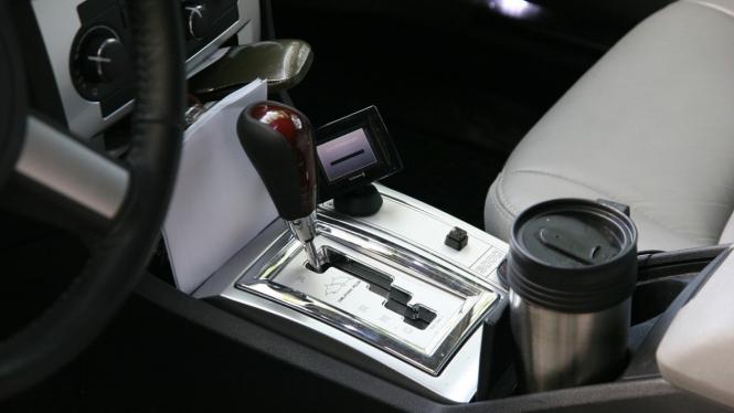 Ilustrasi mobil matik.