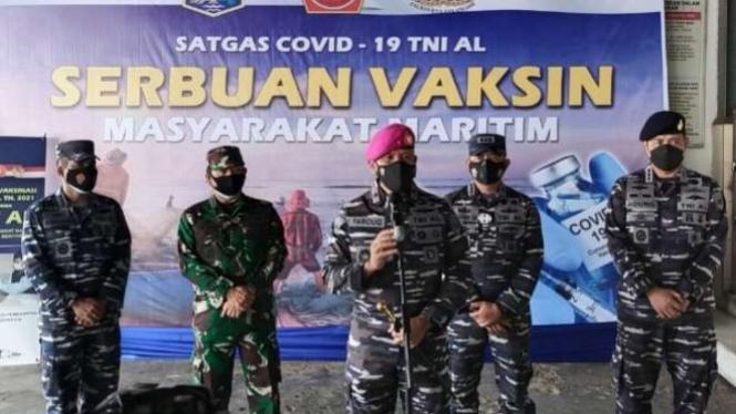 VIVA Militer: Danlantamal III tinjau serbuan vaksin di TPI Muara Angke