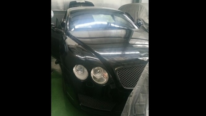 Bentley Continental hasil sitaan kasus korupsi Bank BJB Syariah.