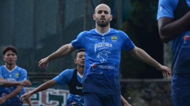 Gelandang Persib Bandung, Mohammed Rashid
