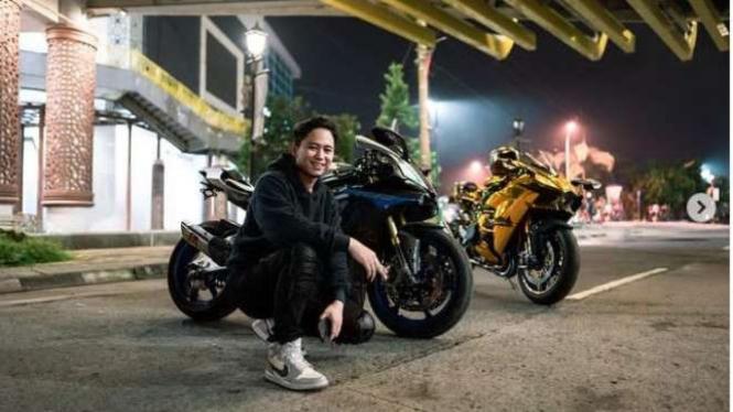 Doni Salmanan dengan Motor Sport