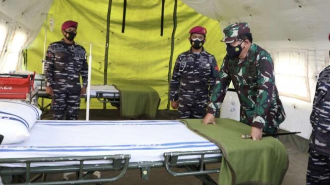 VIVA Militer: Panglima TNI cek kesiapan Rumah Sakit Lapangan Yonkes-1 Marinir