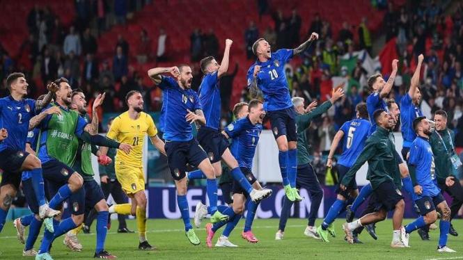 Selebrasi skuad Italia usai dinyatakan melaju ke final EURO 2020