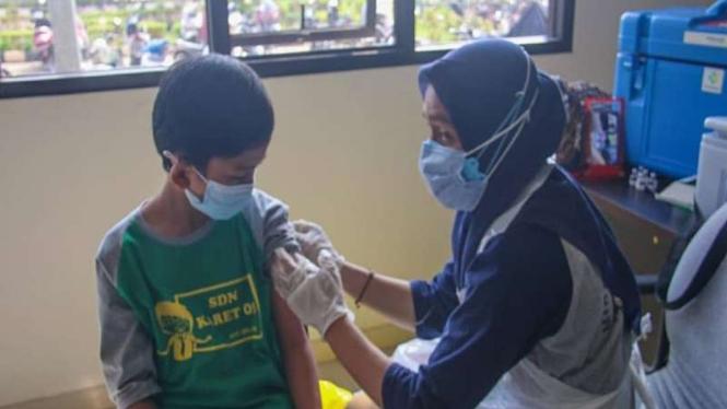 Vaksinasi COVID-19 untuk anak-anak
