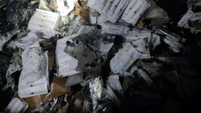Kebakaran terjadi di gudang penyimpanan vaksin Puskesmas Sumur Batu, Kemayoran.