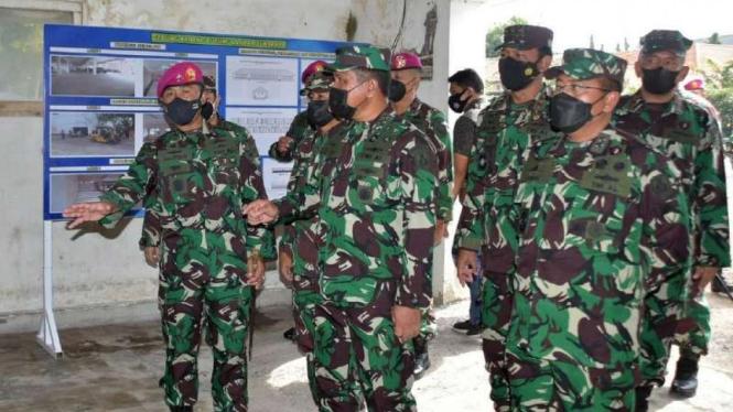 VIVA Militer: Wakasal tinjau renovasi tempat isolasi COVID-19 di Lanmar Surabaya