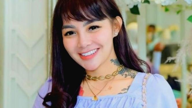 Nadia Christina