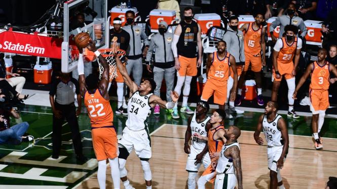Gim keempat final NBA 2020-2021 Milwaukee Bucks vs Phoenix Suns