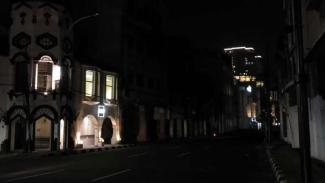 Suasana PPKM Darurat di Kota Medan pada malam hari.