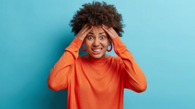 Ilustrasi wanita/marah/stres.