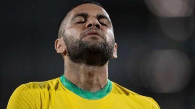 Bek Timnas Brasil, Dani Alves.