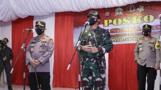 VIVA Militer: Panglima TNI tinjau serbuan vaksinasi di Banten