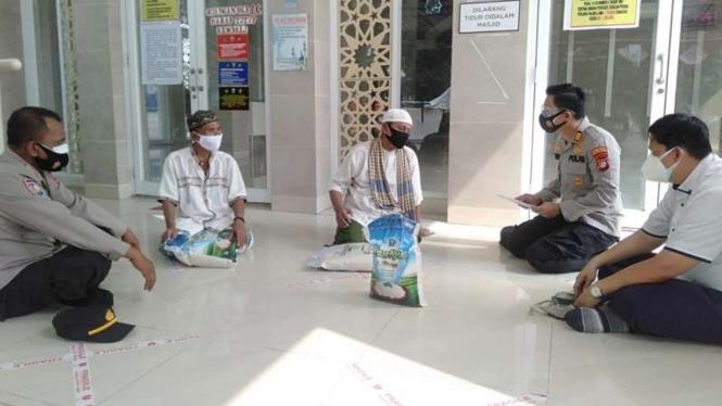 Polisi melakukan sosialisasi mengenai pelaksanaan Hari Raya Idul Adha