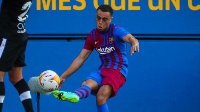 Pemain Barcelona, Sergino Dest dalam uji coba melawan Gimnastic
