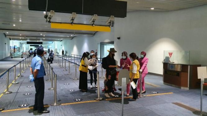 Bandara Internasional yang dikelola AP II terapkan pembatasan orang asing masuk ke Indonesia sesuai Permenkumham.