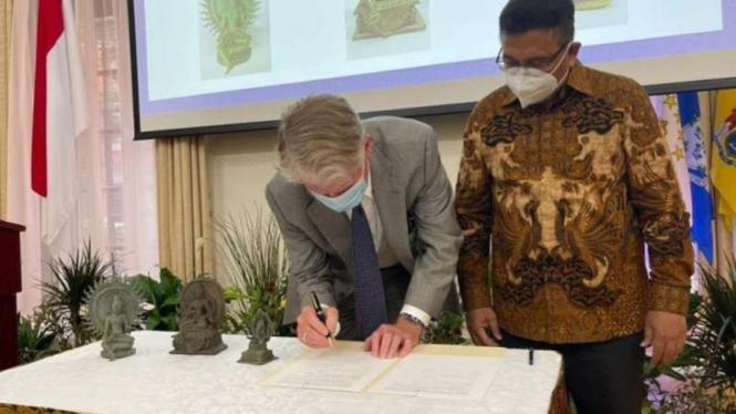 AS kembalikan benda cagar budaya Indonesia