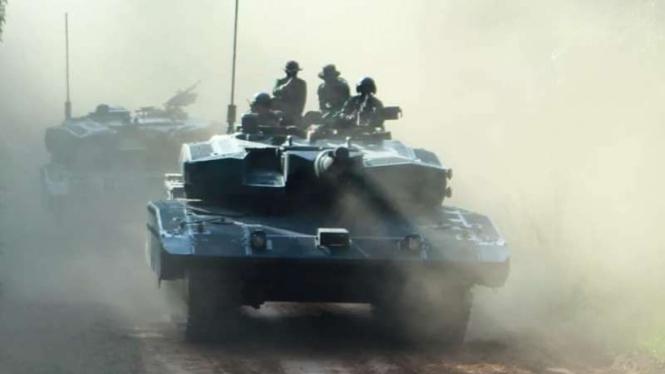 VIVA Militer: Prajurit Yonkav 1 Kostrad di atas Tank MBT Leopard 2