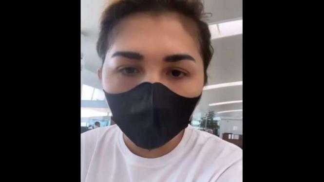 Selebgram Gabby Vesta marah-marah di bandara karena sempat gagal terbang