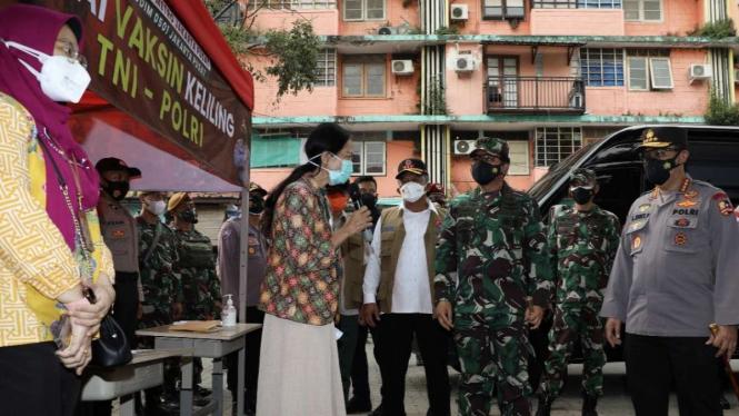 VIVA Militer: Panglima TNI tinjau serbuan vaksinasi di tiga wilayah DKI Jakarta