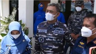 VIVA Militer: Danlantamal XIII Laksma TNI Edi Krisna Murti tinjau serbuan vaksin