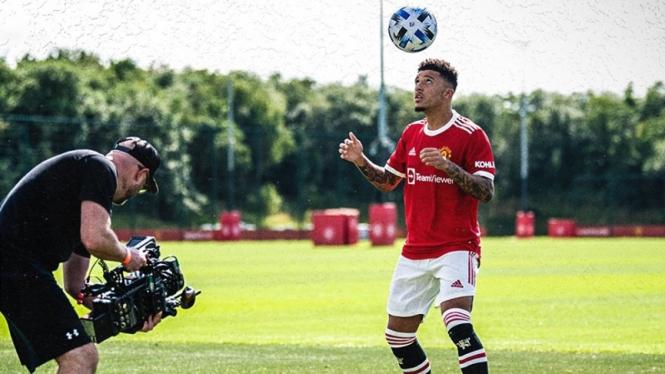 Jadon Sancho resmi diperkenalkan oleh Manchester United