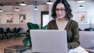 Ilustrasi perempuan bekerja
