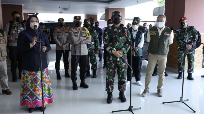 VIVA Militer: Panglima TNI tinjau tempat Isolasi Terpusat di Bandung
