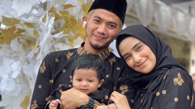 Rizky DA, Nadya Mustika dan Anaknya