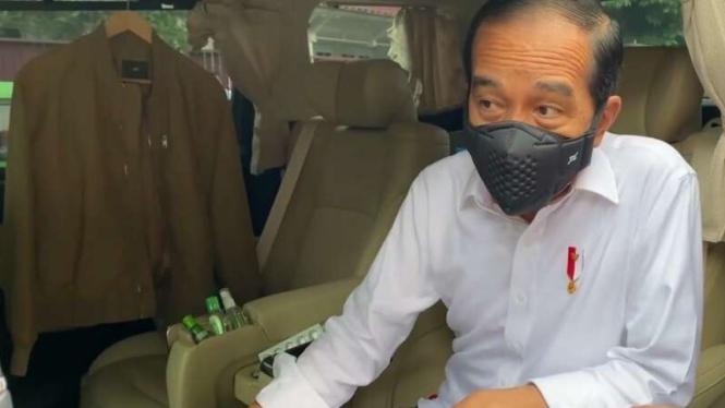 Isi barang-barang di mobil Jokowi