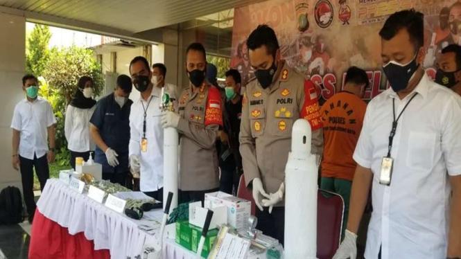 Polisi mengungkap kasus penimbunan oksigen