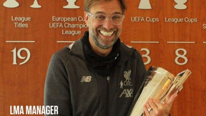 Juergen Klopp merebut LMA Manager of the Year 2019/20.