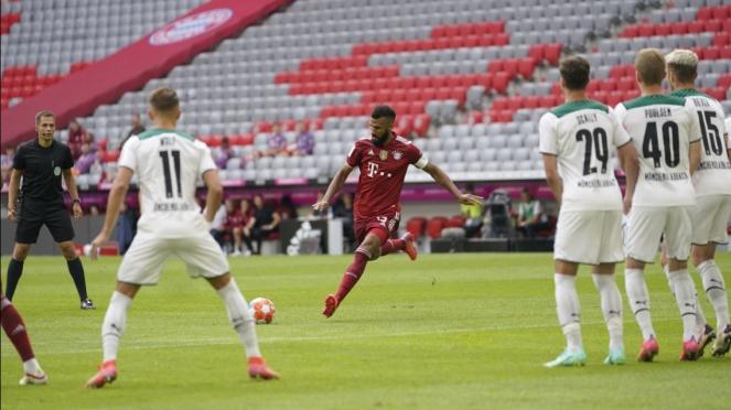 Pertandingan antara Bayern Munich vs Borussia Moenchengladbach.
