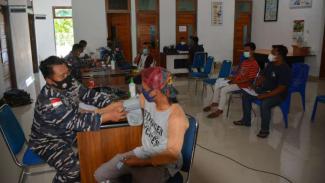 VIVA Militer: Lantamal X terus laksanakan vaksinasi untuk masyarakat Jayapura
