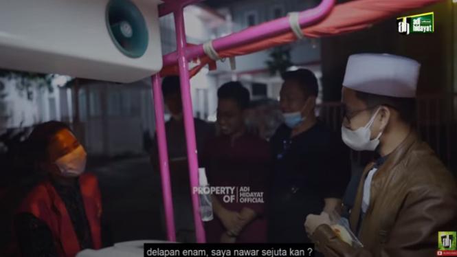 Tukang Roti Ditawar Ustaz Adi Hidayat Rp1 Juta (YouTube/adi hidayat official)
