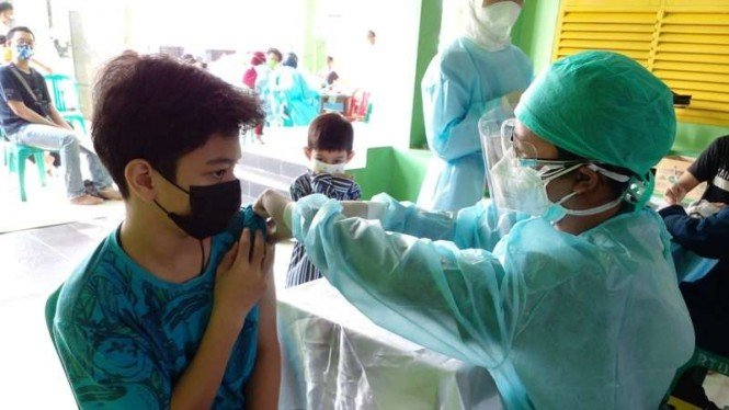 Vaksinasi COVID-19 untuk pelajar