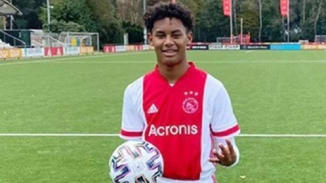 Pemain Ajax Amsterdam junior, Noah Gesser