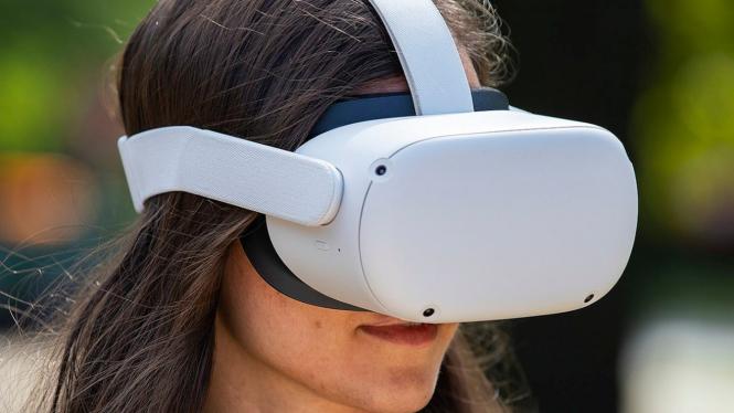 VR headset Oculus Quest 2